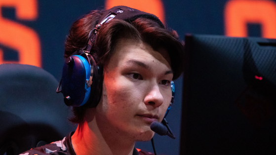 sinatraa accused of severe sexual misconduct by former girlfriend