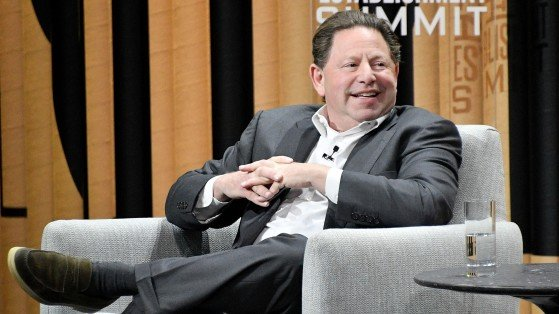 Activision Blizzard CEO Bobby Kotick to receive $200 million bonus amid company-wide layoffs