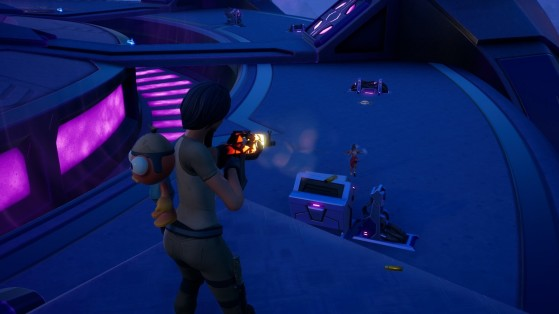 Fortnite Week 4 Challenge: Deal damage near an Abductor
